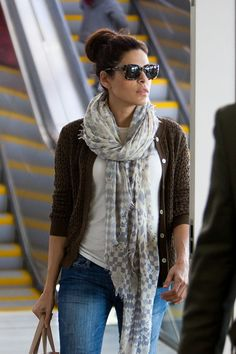 Celebrity Airport Style | Eva Mendes