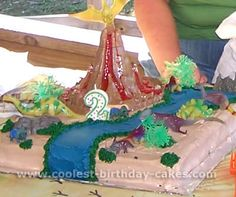 Lots of ideas for dinosaur-themed birthday cakes.