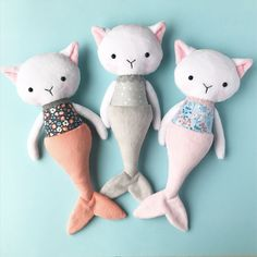 I'm A Dutch Plush Artist And I Make Creepy Creatures And Cute Dolls - Stofftiere Mermaid Toys, Mermaid Cat, Fabric Toys, Minky Fabric, Plush Pattern, Cat Doll, Sewing Dolls, Doll Maker, Softies