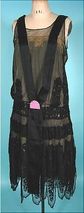 1926 Black Net and Lace Flapper Dress High Fashion Dresses, 20s Fashion, Art Deco Fashion, Retro Fashion, Vintage Fashion, Fashion Design, Vintage Gowns, Vintage Ladies, Vintage Outfits