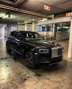 Rolce Royce, Blur Background Photography, Rolls Royce Cars, Cool Cars, Lifestyle, Luxury Cars, Yurts, Rolls Royce Motor Cars