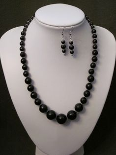 Graduated Glass Pearl Necklace Set