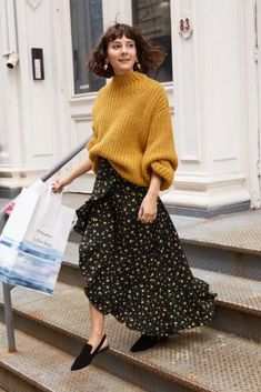 In The City: & Other Stories Spotlights NYC Styles & Other Stories Chunky Knit Sweater, Ruffle Wrap Maxi Skirt and Pointed Slingback Flats Mode Outfits, Skirt Outfits, Winter Outfits, Fashion Outfits, Womens Fashion, Fashion Shoot, Ootd Fashion, Skirt Fashion, Fashion Trends