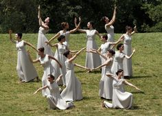 Actresses, playing the role of priestesses, take part in the torch lighting ceremony of the London 2012 Olympic Games at the site of ancient Olympia in Greece, May 10, 2012. [Photo/Agencies]