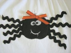 Spider Halloween Shirt Diy Halloween Shirts, Halloween Sewing, Halloween Crafts, Holiday Crafts, Halloween Spider, Fall Halloween, Trunk Or Treat, Autumn Inspiration, Clothing Ideas