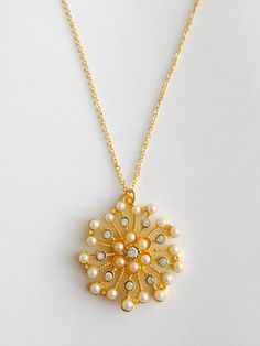 Gold-plated Pearl and Rhinestone Stylised Snowflake pendant necklace Organza Gift Bags, Snowflakes, Plating, Pendant Necklace, Pearls, Chain, Card Ideas, Gold, Gifts