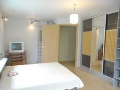Apartment On Sorokskaya Petrozavodsk Located in Petrozavodsk, Apartment On Sorokskaya offers self-catering accommodation with free WiFi.  The kitchen has a microwave and a fridge, as well as a kettle. Towels and bed linen are offered in this apartment.
