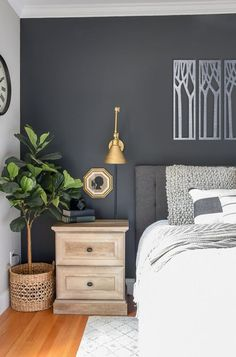 Top-notch Master bedroom remodel,Bedroom remodel apartment therapy and Guest bedroom remodel ideas. Navy Blue Bedrooms, Home Interior, Interior Design, Modern Interior, Interior Decorating, Modern Farmhouse Bedroom, Industrial Farmhouse, Farmhouse Decor, Modern Bedroom