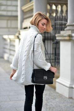 oversized white sweater with black skinnies
