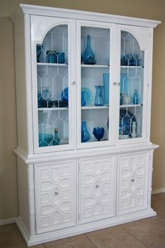 Love the white hutch with blue glassware.mine would def be pink and black though! Home Living, My Living Room, Repurposed Furniture, Painted Furniture, Painted Hutch, Painted Sideboard, Furniture Making, Home Furniture, Hutch Furniture