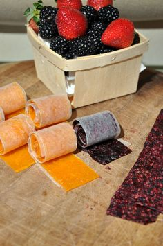 fruit roll-ups Fruit combination ideas: Yellow: 1 fresh mango, 200 g dried apricots, 1 orange (the juice) (these come out the best!) Purple: Frozen raspberries, frozen blackberries and 1 banana (these were very seedy, you could replace the raspberries with blueberries) Green: Kiwi, mango and mint leaves Blue: Blueberries and grape juice Red: Strawberries and banana