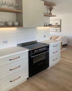 Bathroom Interior Design, Kitchen Interior, New Kitchen, Kitchen Dining, Kitchen Ideas, Different House Styles, Modern Kitchen Design, The Ranch, Home Kitchens