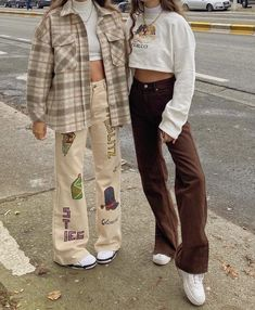 """fan outfits account on Twitter: """"styling with bff 👯♀️… """" Teen Fashion Outfits, Retro Outfits, Cute Casual Outfits, Vintage Outfits, Grunge Outfits, Hippie Outfits, Skater Girl Outfits, Flannel Outfits, Cartoon Outfits"""