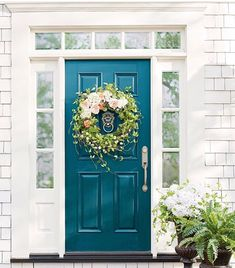 Turquoise front door farmhouse 42 great ideasTurquoise front door farmhouse 42 great strong colors for your front Doors_CHS Light turquoise Best Teal and Navy Blue front door colors: Benjamin and Best Teal Front Doors, Front Door Paint Colors, Painted Front Doors, Front Door Decor, Teal Door, Colored Front Doors, Colored Door, Painted Exterior Doors, Exterior Paint
