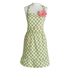 Jessie Steele Apron Courtney Meadow Green Gingham: Shop our Mother's Day Last-Minute Gift Boutique! #laylagrayce #giftboutique #mothersday $24.00