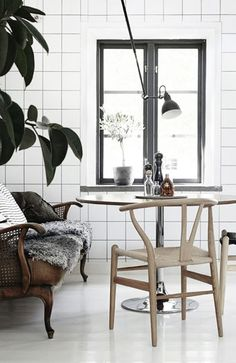 #interior #styling #dining #decor #scandinavian #industrial #lamp #wishbonechair #plant #tiles #black #white #BW #bench