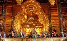 La pagode de Bai Dinh à Ninh Binh - la plus grande pagode de l'asie du Sud Est