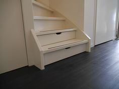 laden in trapkast Hallway Storage, Stair Storage, Stair Drawers, House Stairs, Under Stairs, Staircase Design, French Furniture, Home Decor Inspiration, Home And Living
