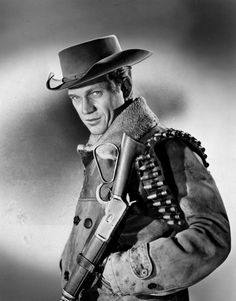 Steve McQueen as bounty hunter Josh Randall in Wanted Dead or Alive (CBS Hollywood Stars, Classic Hollywood, Old Hollywood, Hollywood Actresses, Western Film, Western Movies, Steeve Mcqueen, Steve Mcqueen Style, Tv Westerns