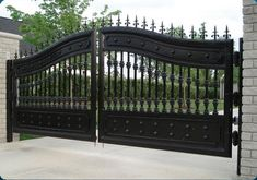 Create a grand entrance with an exquisite gate on your property. El Cajon Gates can bring the look of privacy, security and elegance to your commercial or residential building with a beautiful gate for your driveway, entrance, pool or garden.