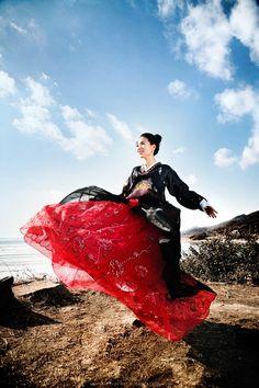 Travel Asian Korean woman with Hanbok