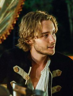 Toby Regbo - Despite the fact that the real Francis was not good looking and stuttered, This guy is easy on the eyes.