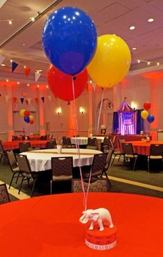 Easily throw a carnival themed party: get tips & frugal ideas here! - L Kolenovic - Easily throw a carnival themed party: get tips & frugal ideas here! Circus Party Decorations, Carnival Themed Party, Carnival Birthday Parties, Circus Birthday, 1st Boy Birthday, Birthday Party Themes, Dumbo Birthday Party, Birthday Ideas, Carnival Baby Showers