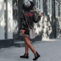 Bonjour Mon Amour @asiliothelabel #stylebynelli #ad #asiliothelabel #wiw #streetstyle #wiw #potd #lotd #ootd #love #cute #beautiful #boots #leatherjacket #styleoftheday