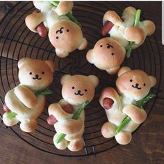 "AmourDuCake on Instagram: ""YES OR NO?? Bears with legumes bread by @konel_bread 🐻🐻🐻🐻 its so cute . i love it!! #bear #bears #legumes #bread #cake #cakes #food…"""