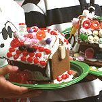 Have a gingerbread house party! - A fun family & friends afternoon - add to Christmas Bucket List