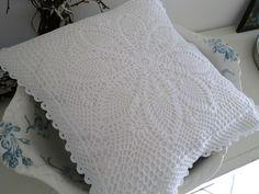 Kissenbezug  von White Roses auf DaWanda.com
