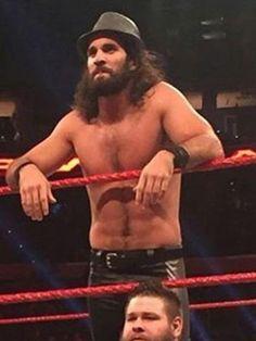 Looking Bray Wyattt-ish