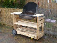 The second version of my pallet BBQ! La version 2 de mon BBQ en palettes, nettement plus reussie!