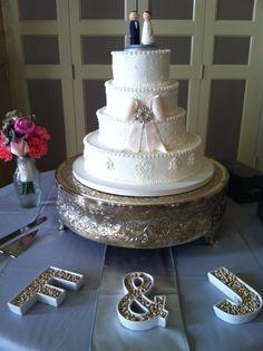 #cakesbygraham #customduogram #customweddingtopper