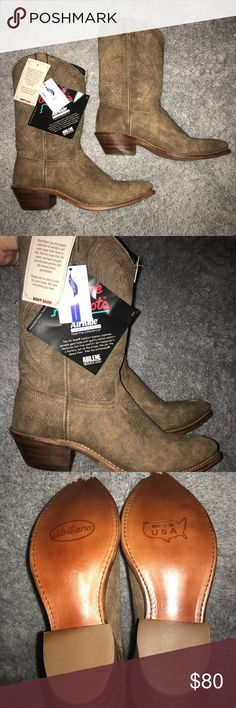 NWT Abilene Cow Girl Boots Never worn. In GREAT condition. Size 10 in women's. Shoes