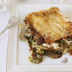 """White Lasagna"" (a supremely rich sauce) / Celery Root and Mushroom Lasagna Recipe - Chef Fabio Trabocchi Pumpkin Lasagna, Mushroom Lasagna, Meat Lasagna, Veggie Lasagna, Veggie Meals, Wine Recipes, Gourmet Recipes, Pasta Recipes, Vegetarian Recipes"