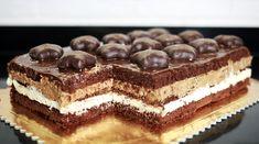 Ciasto z kremem piernikowym to łatwe ciasto na boże narodzenie. Sprawdź efektowne ciasta na święta bożonarodzeniowe na orchideli.com