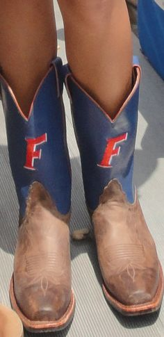 Florida Gator cowboy boots (OMG I WANT THESE!!!!!!)