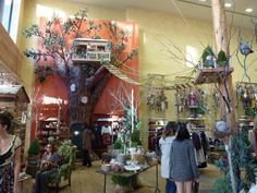A Treehouse! My FAVORITE Display at The Grove