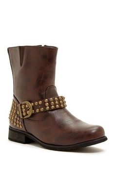 These ankle boots are soo cute!!
