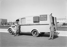mobile-libraries-1945-49-calouste-gulbenkian-foundation-horacio-novais-studios.jpg