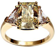 1STDIBS.COM Jewelry & Watches - Cartier - CARTIER Canary Diamond Ring - Linda Horn