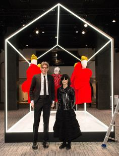 """While those of us in New York eagerly await the Met Costume Institute exhibit, """"Rei Kawakubo/Comme des Garçons: Art of the In-Between,""""… Fashion News, Fashion Show, Men's Fashion, Daily Front Row, Rei Kawakubo, Top Luxury Brands, Expensive Clothes, Costume Institute, Comme Des Garcons"""