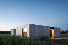 Completed in 2016 in Heuvelland, Belgium. Images by Tim van de Velde. North of the West-Flemish village of Westouter one can find a plot in an open and rural landscape, heavily influenced by the typical agricultural...