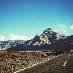 #boca#infierno#tenerife#teide#elteide#volcano#lava#buongiorno#goodmorning#buenosdias#viaggioinfinito#travel#travellers#mountains#bestplace#picofday#avolteesagero#followus#follow4follow#igers#igersitalia#igersespana#guidemehome by danielflowrida