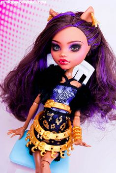 Commission Clawdeen for Eryk by Retrograde Works, via Flickr Monster High Repaint www.retrogradeworks.com