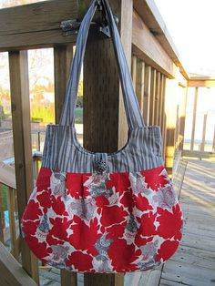 More from Our Busy Little Brunch (in the same amazing fabric). The pattern (tutorial?) she used is from Sweet Pea Totes