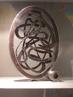 Circle metal sculpture handmade by Giannis Dendrinos Circle Shape, Sculptures, Shapes, Metal, Artist, Handmade, Metal Art, Hand Made, Sculpting