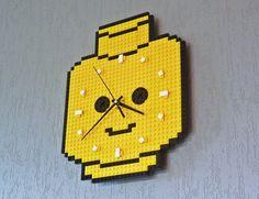 DIY Idee - LEGO Wanduhr // 11tech.files.wordpress.com