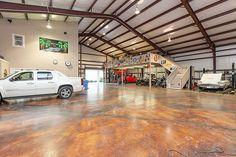 Now THAT's a garage! Who care s about a house! pinterest: @lvbabyxx